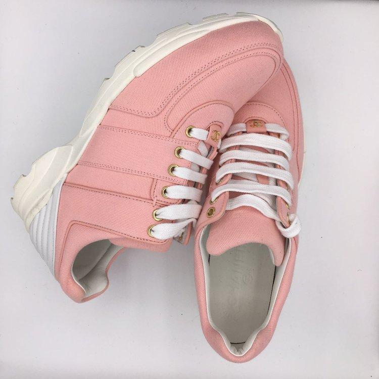 rent shoes LSWOP