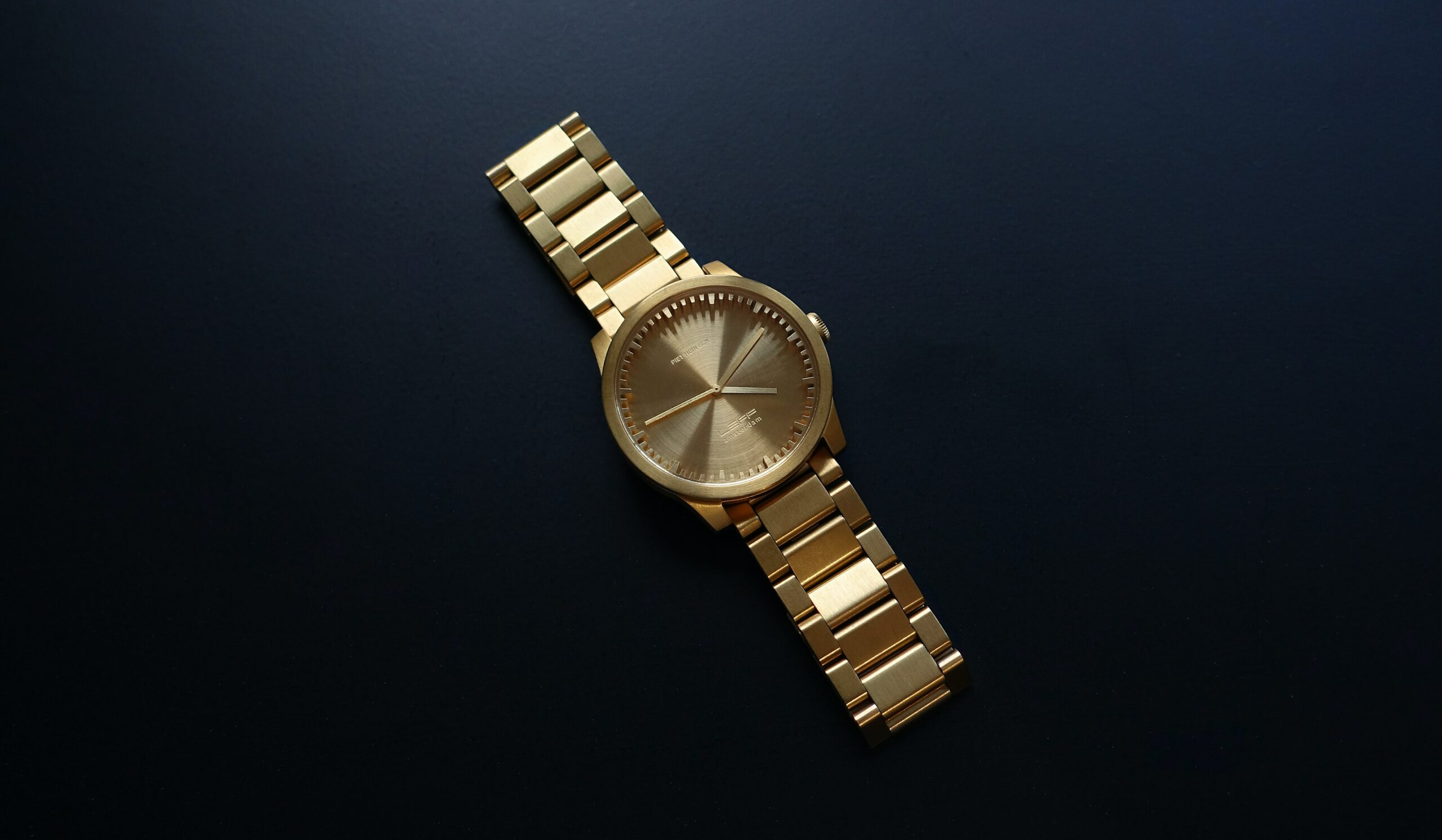 11 Top Entry Level Luxury Watches (Ultimate Guide)