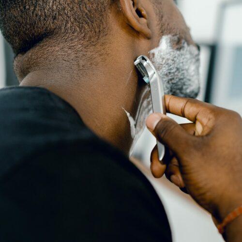 11 Best Shower Mirrors for Shaving (Fogless Mirrors)