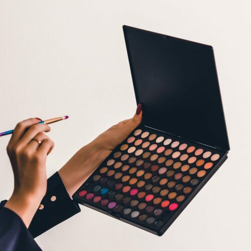 How to Apply Eyeshadow 101: Ultimate Guide