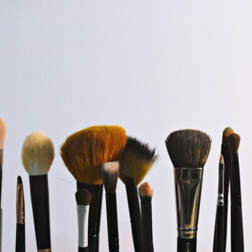 7 Best Blush Brushes for Perfectly Blended Color