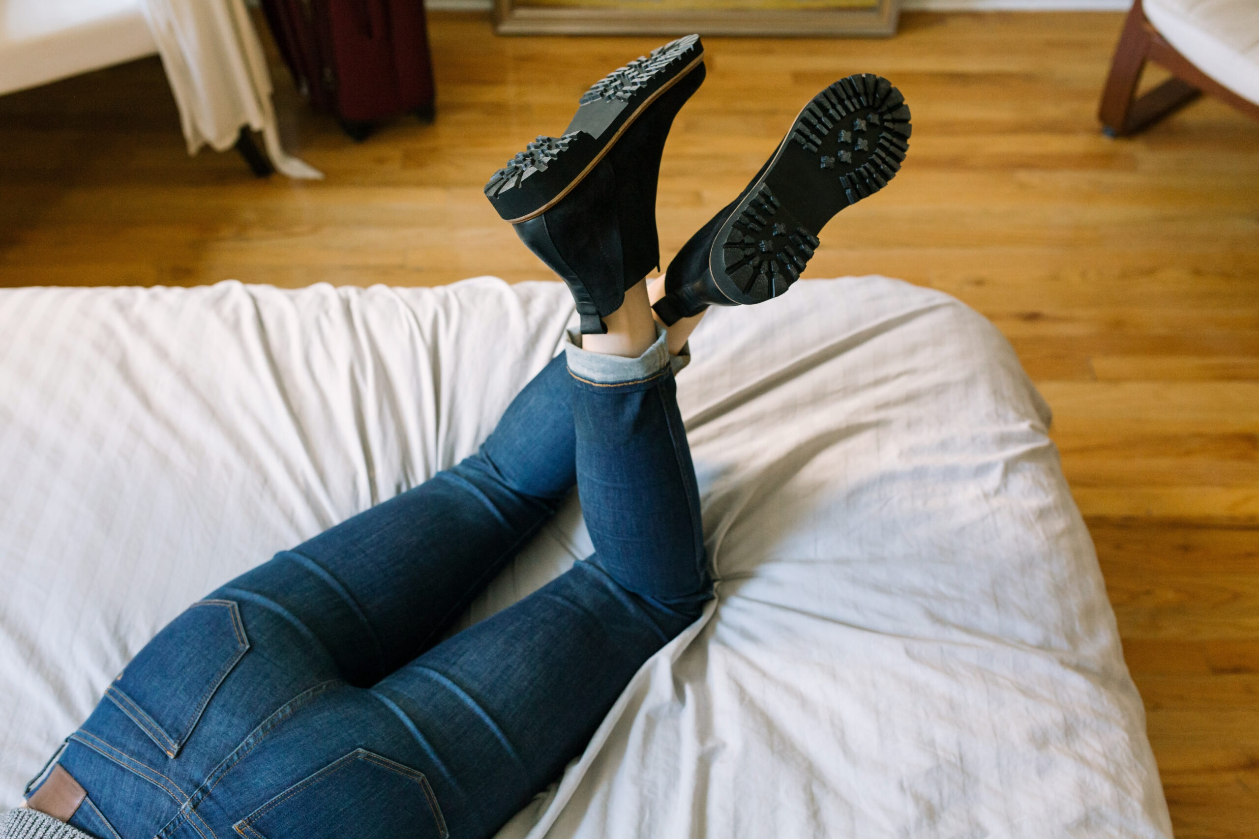How to Wear Chelsea Boots to Create Stunning Outfits