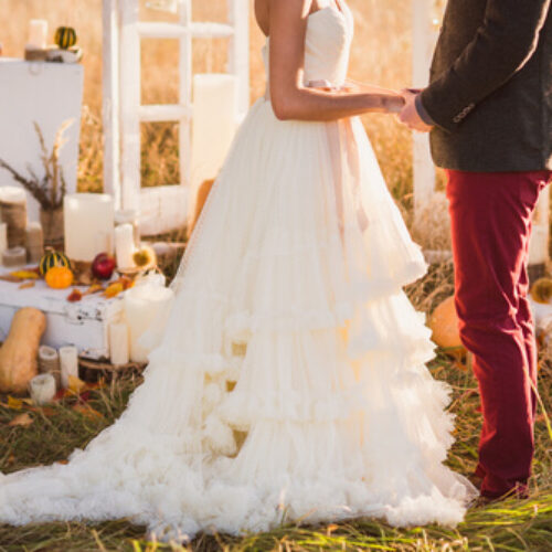 What to Wear to a Fall Wedding? Style Guide + Outfit Ideas