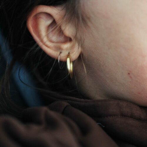 Your Guide to Hypoallergenic Earrings for Sensitive Ears