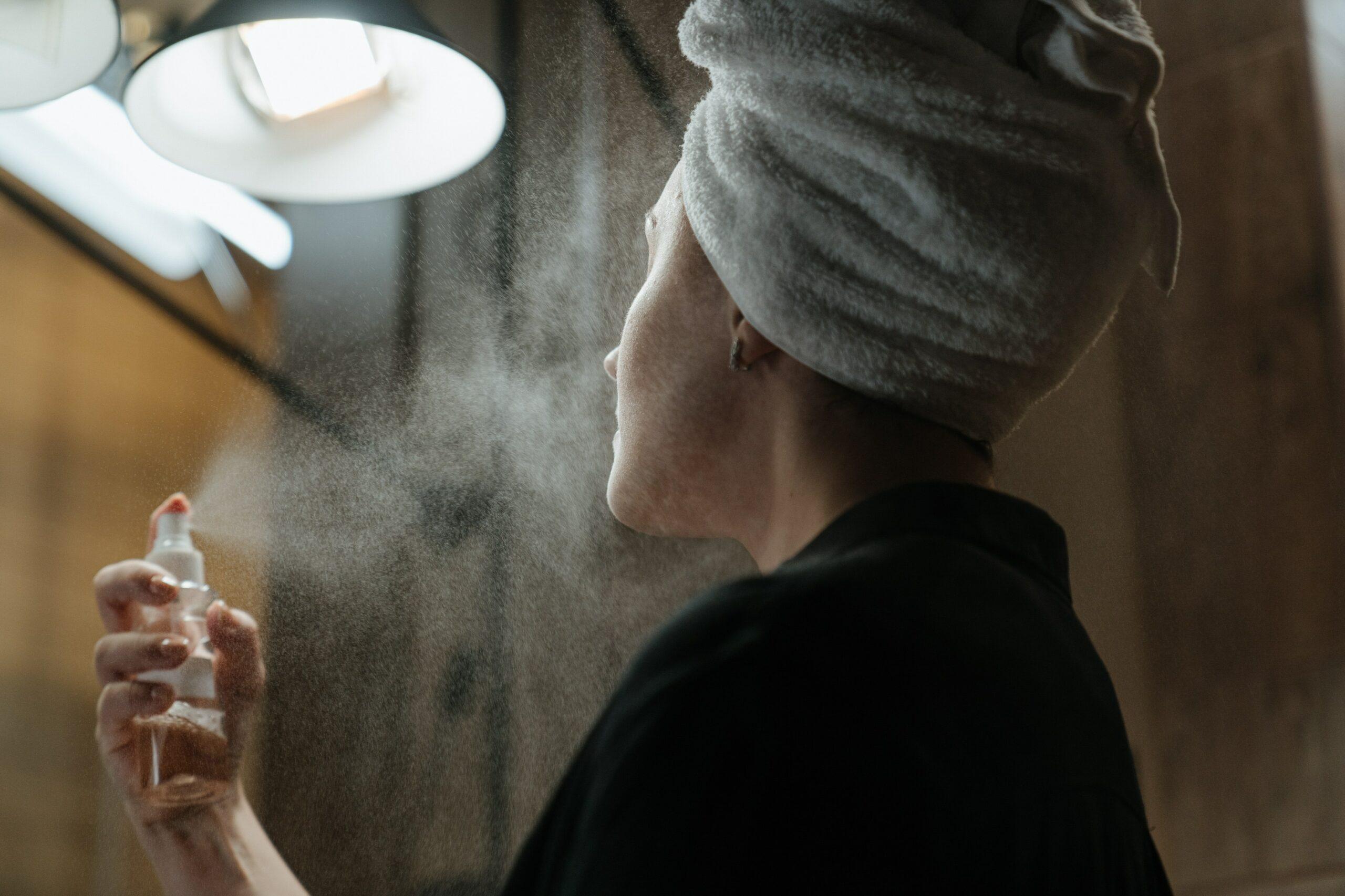 13 Best Setting Sprays forOily Skin