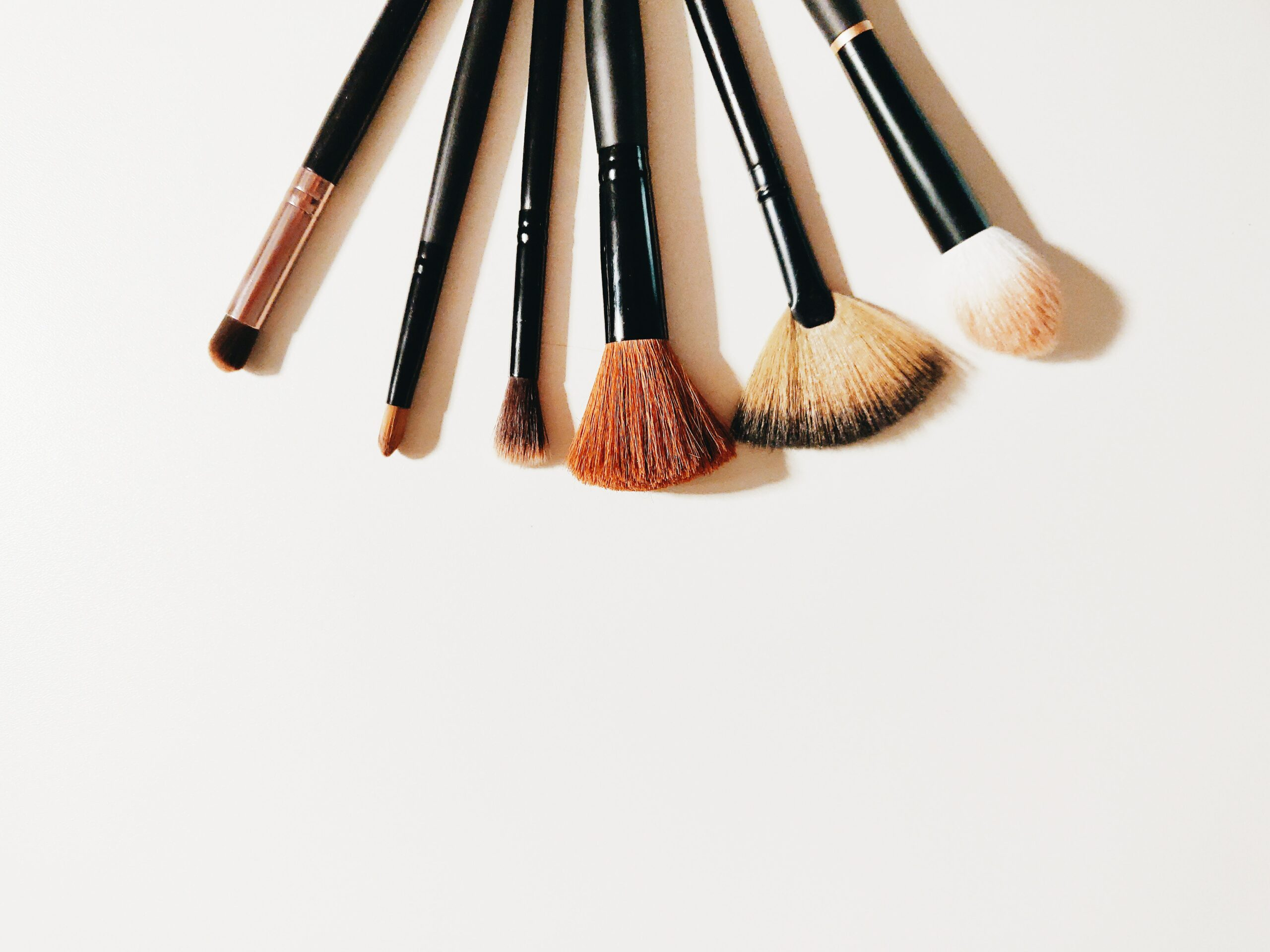 How to Clean Makeup Brushes at Home – 3 Easy Steps