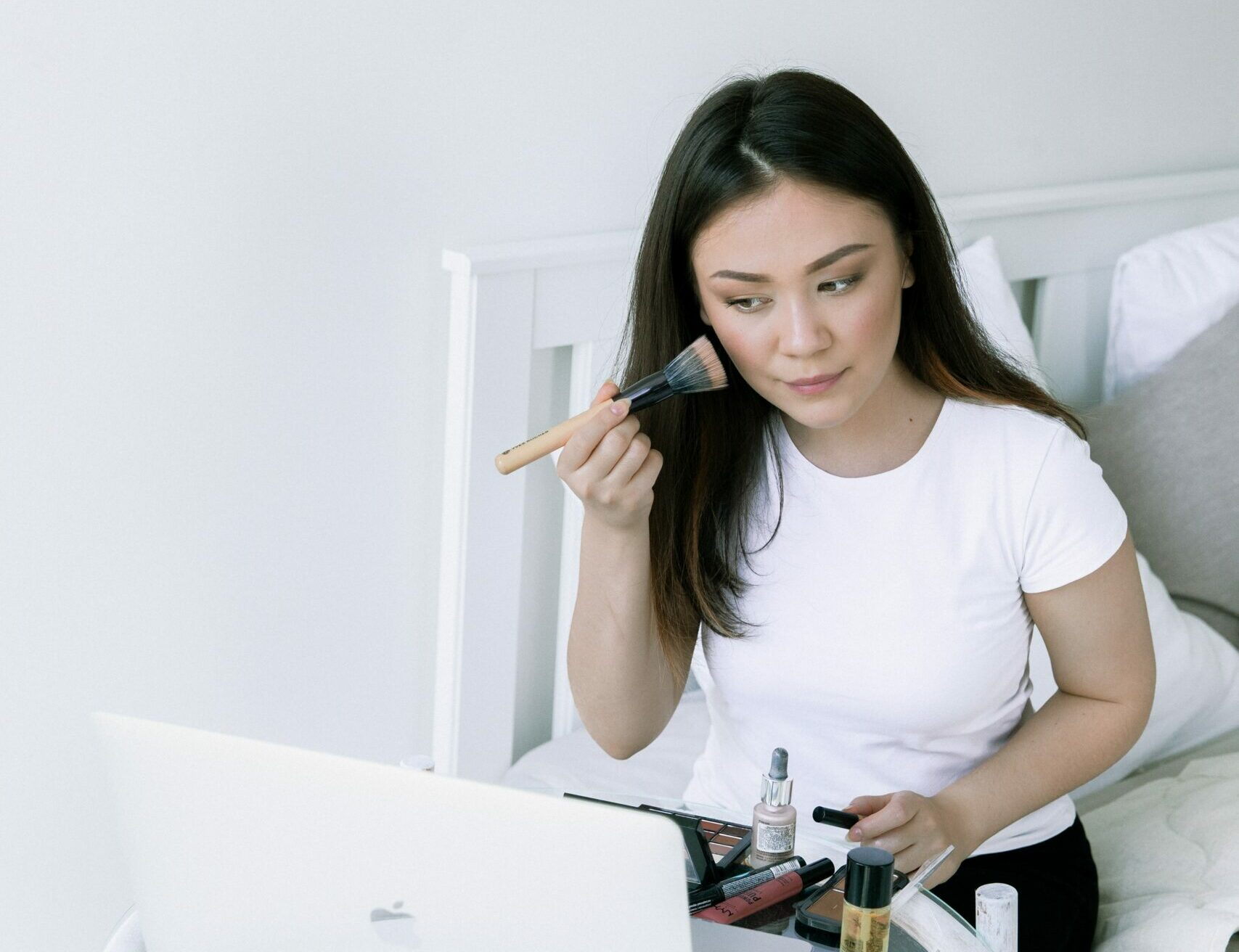 How to Contour a Round Face: It's Almost Too Easy