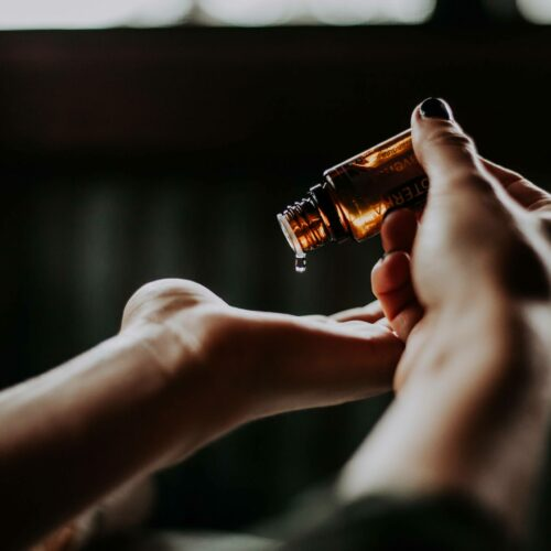 8 Best Oils for Skin of Every Type (Expert-Approved)