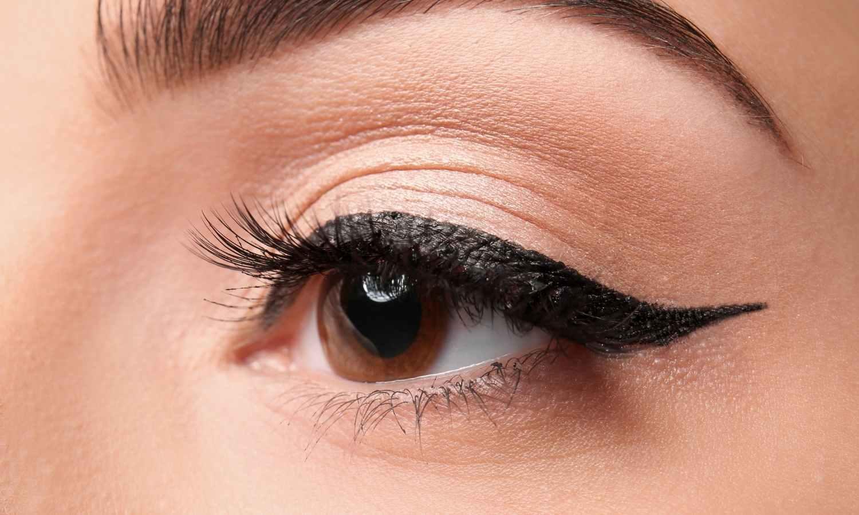 How to Do Winged Eyeliner –Tips & Tricks For Every Eye Shape